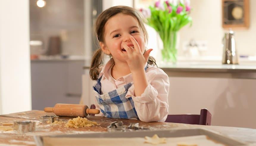Baka kakor med bakplåtspapper från Toppits