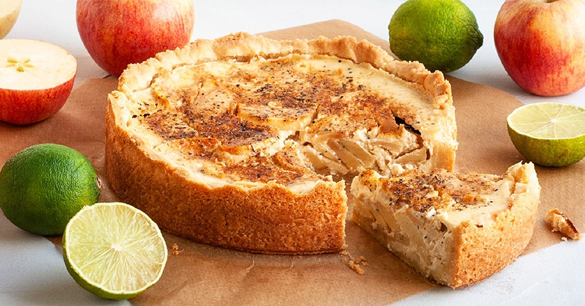 Krämig äppelpaj med kardemumma och färskost