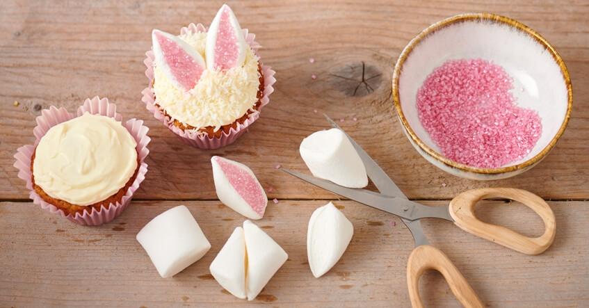Påskmuffins med frosting, kokos och marshmallow i Toppits muffinsformar