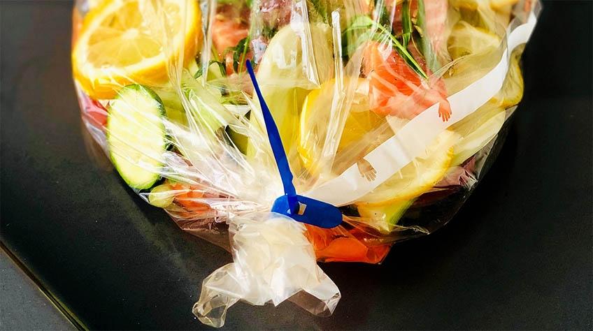Stekpåse från Toppits med grönsaker och lax